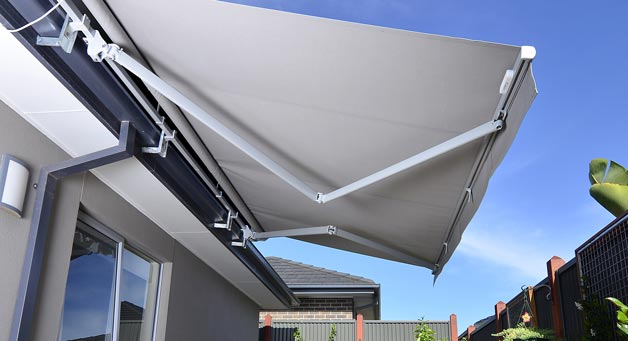 folding arm awning hero